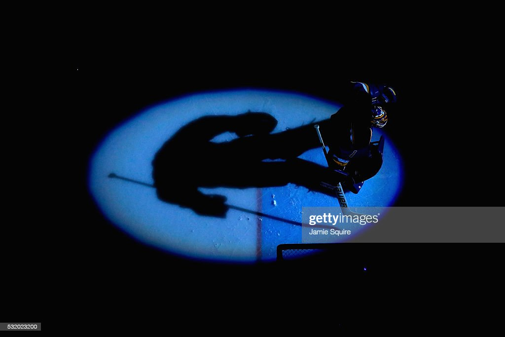 Brian Elliott #1 of the St. Louis Blues looks on prior to Game Two of the Western Conference Final against the San Jose Sharks during the 2016 NHL Stanley Cup Playoffs at Scottrade Center on May 17, 2016 in St Louis, Missouri.