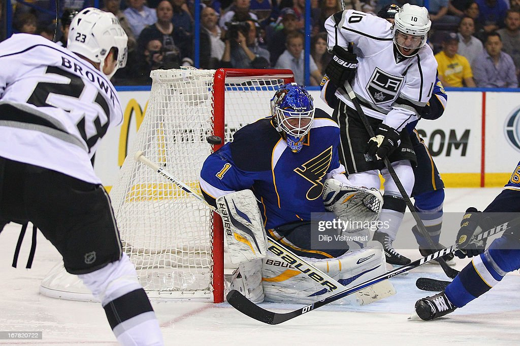 Brian Elliott #1 of the St. Louis Blues makes a save against the Los Angeles Kings in Game One of the Western Conference Quarterfinals during the 2013 NHL Stanley Cup Playoffs at the Scottrade Center on April 30, 2013 in St. Louis, Missouri.