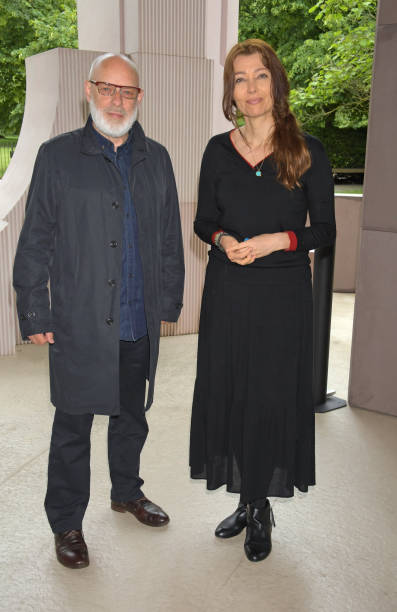 """GBR: """"Brian Eno: In A Garden"""" At The 2021 Serpentine Pavilion"""