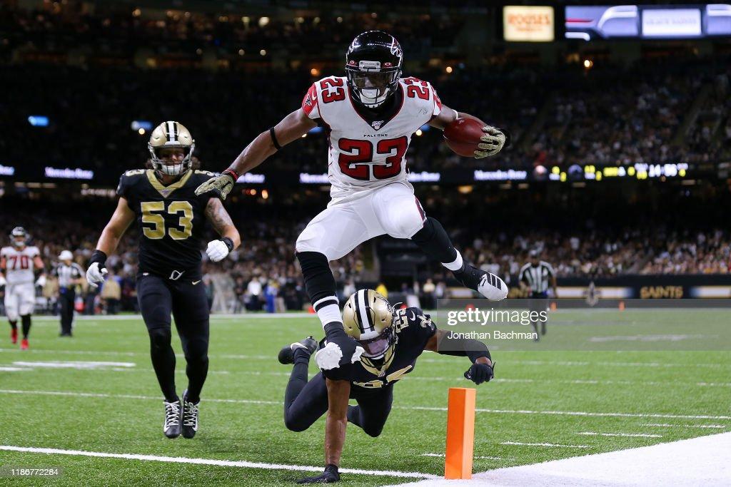 Atlanta Falcons vNew Orleans Saints : News Photo