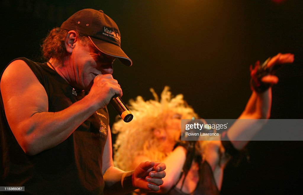 Brian Johnson of AC/DC performing with Dee Snider of Twisted Sister