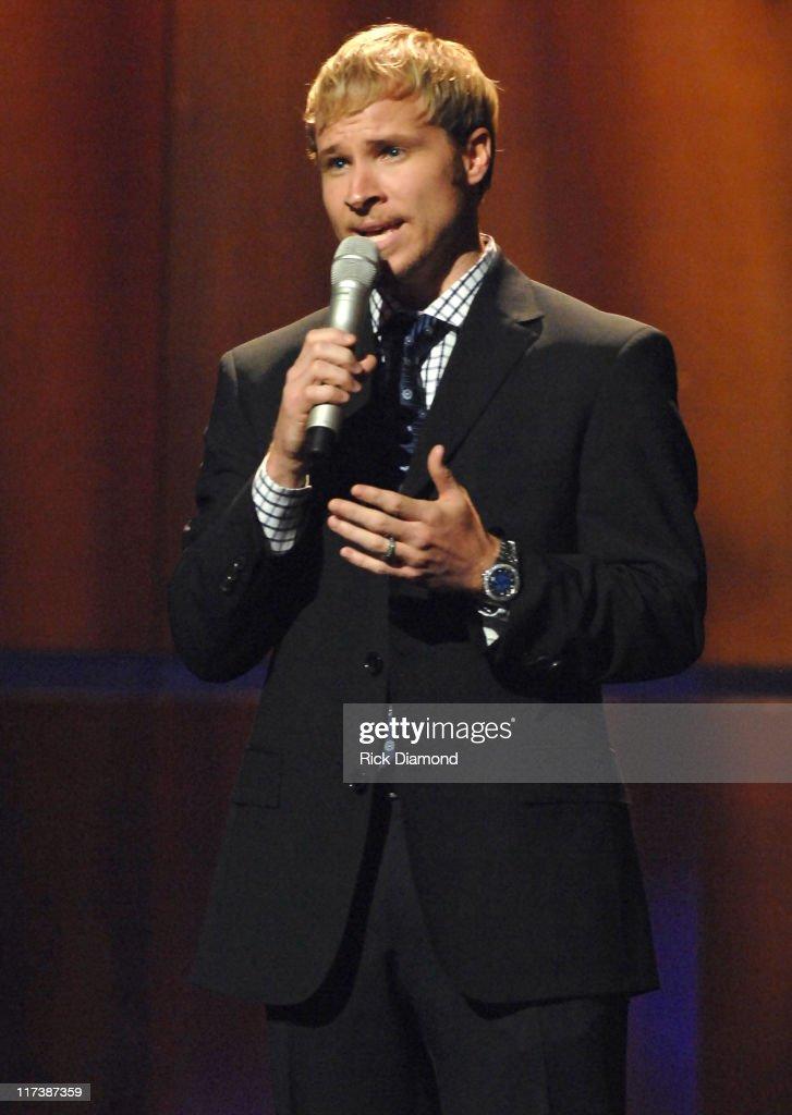 38th Annual GMA DOVE Awards - Show : News Photo