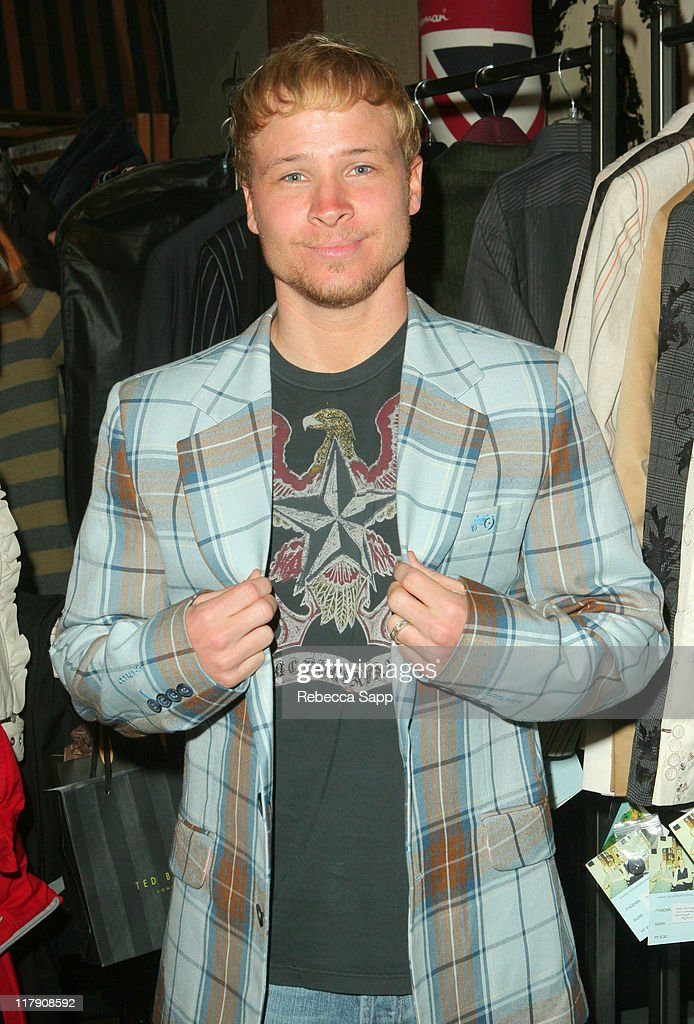 The 49th Annual GRAMMY Awards - GRAMMY Style Studio  2007 - Day 3 : News Photo