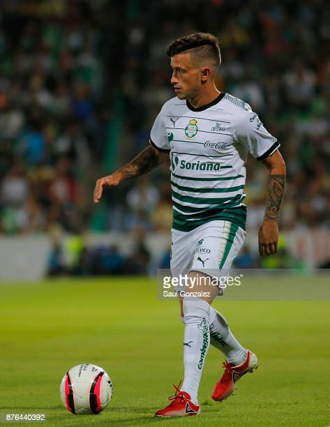 Brian Lozano of Santos drives the ball during the 17th round match between Santos Laguna and America as part of the Torneo Apertura 2017 Liga at...