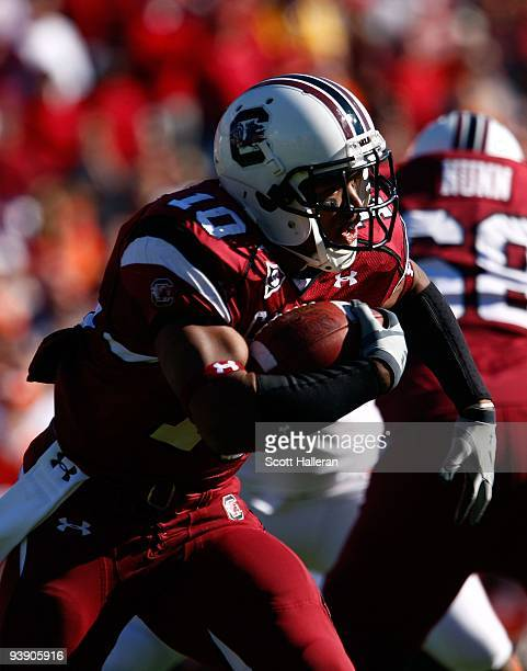 Brian Maddox of the South Carolina Gamecocks runs upfield during the game against the Clemson Tigers at WilliamsBrice Stadium on November 28 2009 in...