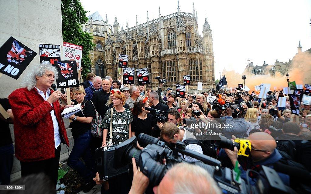 Brian May Leads Anti-Fox Hunting Rally : News Photo
