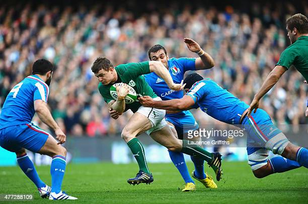 Brian O'Driscoll of Ireland breaks away during the RBS Six Nations match between Ireland and Italy at Aviva Stadium on March 8 2014 in Dublin Ireland