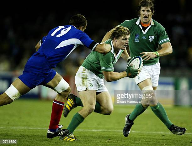 Brian Odriscoll of Ireland runs into score a try during the Rugby World Cup Quarter Final match between France and Ireland at Telstra Dome November 9...