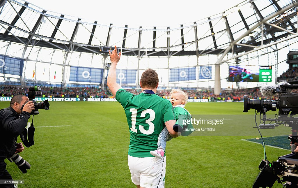 Brian O'Driscoll of Ireland waves farewell to the fans after his last home appearance the RBS Six Nations match between Ireland and Italy at Aviva Stadium on March 8, 2014 in Dublin, Ireland.