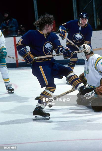 Brian Spencer of the Buffalo Sabres skates on the ice during an NHL game against the California Golden Seals circa 1976 at the Oakland Coliseum in...
