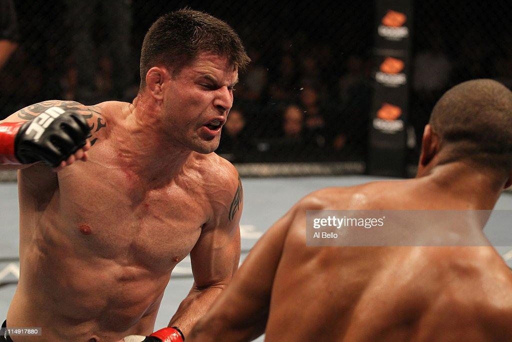 UFC 130: Rampage v Hamill