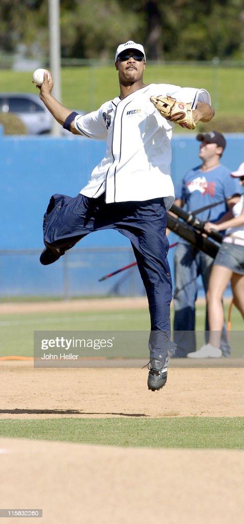 Hot girls playing softball — img 15