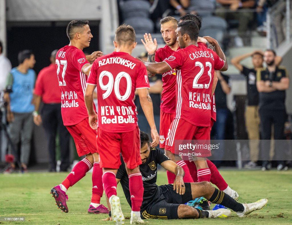 MLS Soccer - Los Angeles FC v New York Red Bulls : News Photo
