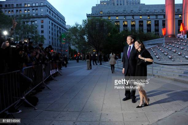 Brian Williams and Jane Stoddard Williams attend VANITY FAIR TRIBECA FILM FESTIVAL Opening Night Dinner Hosted by ROBERT DE NIRO GRAYDON CARTER and...