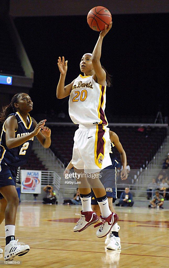NCAA Women's Basketball - 2007 NCAA Tournament - First Round - UC Riverside vs Arizona State : News Photo