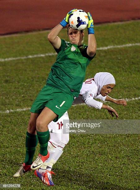 Brianna Davey of Australia clashes with Shahnaz Jebreen of Jordan during the AFC Women's Asian Cup Group A match between Jordan and Australia at...