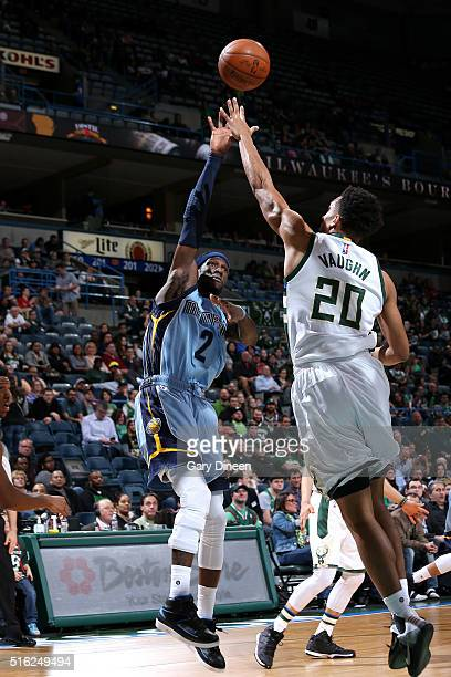 Briante Weber of the Memphis Grizzlies shoots the ball during the game against the Milwaukee Bucks on March 17 2016 at the BMO Harris Bradley Center...