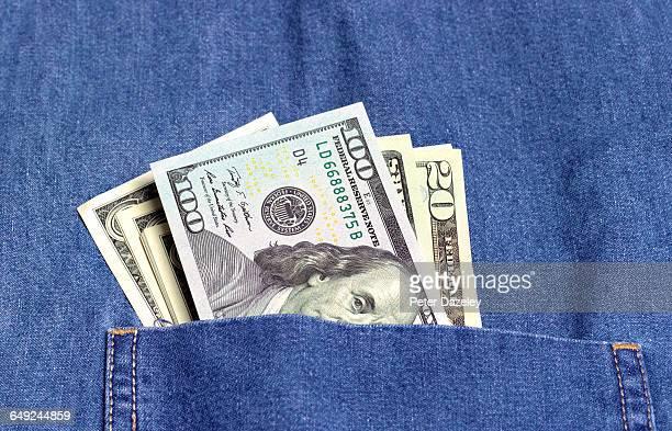 bribe in pocket - tax fraud stock-fotos und bilder