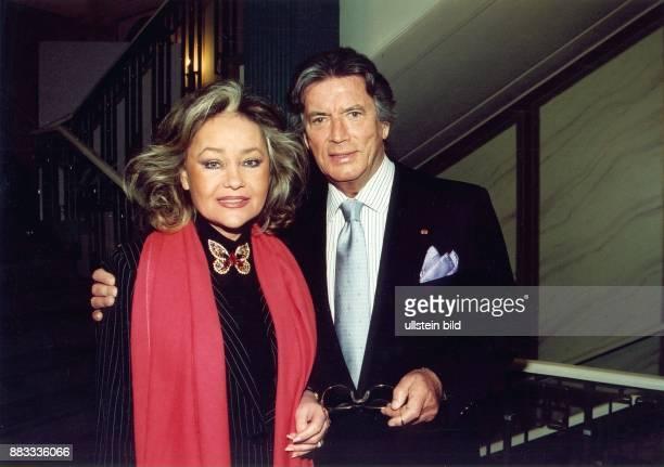 Brice Pierre * Schauspieler Saenger F mit seiner Frau Hella in Berlin