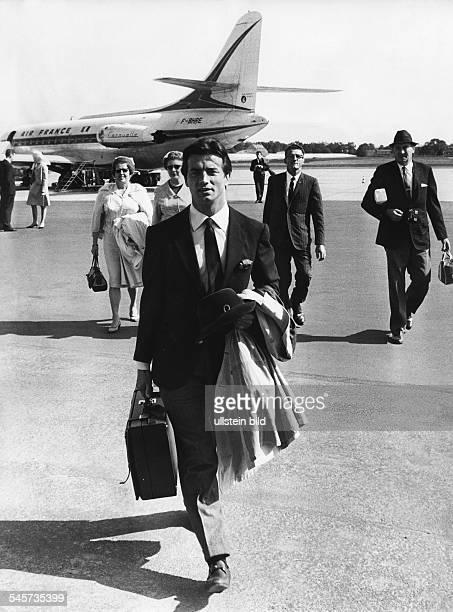Brice Pierre *Schauspieler Saenger F Ankunft auf dem Flughafen BerlinTegel September 1966