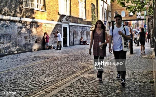 brick lane, london, uk - londen stadgebied stockfoto's en -beelden