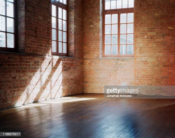 brick room - domestic room stock pictures, royalty-free photos & images