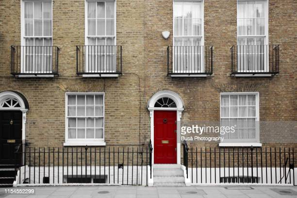 brick terraced houses in london, england - terraced_house stock pictures, royalty-free photos & images