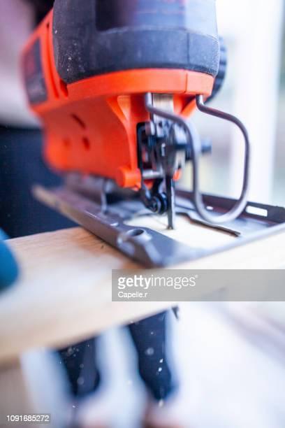 bricolage - scie sauteuse électrique - 電動糸のこ ストックフォトと画像