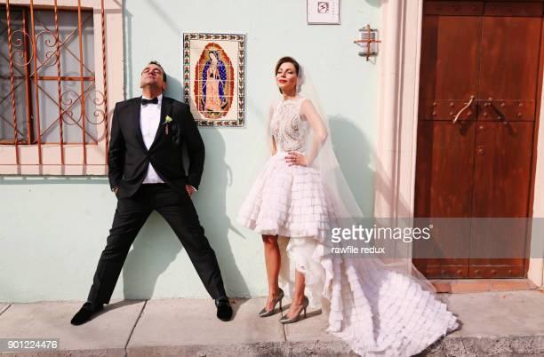 a bridal couple -  キリスト教 伝来の地  ストックフォトと画像
