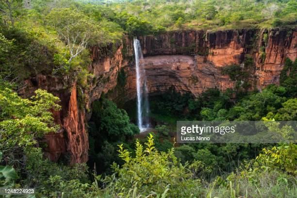 bridal veil waterfall - chapada dos guimarães national park - cerrado stock pictures, royalty-free photos & images