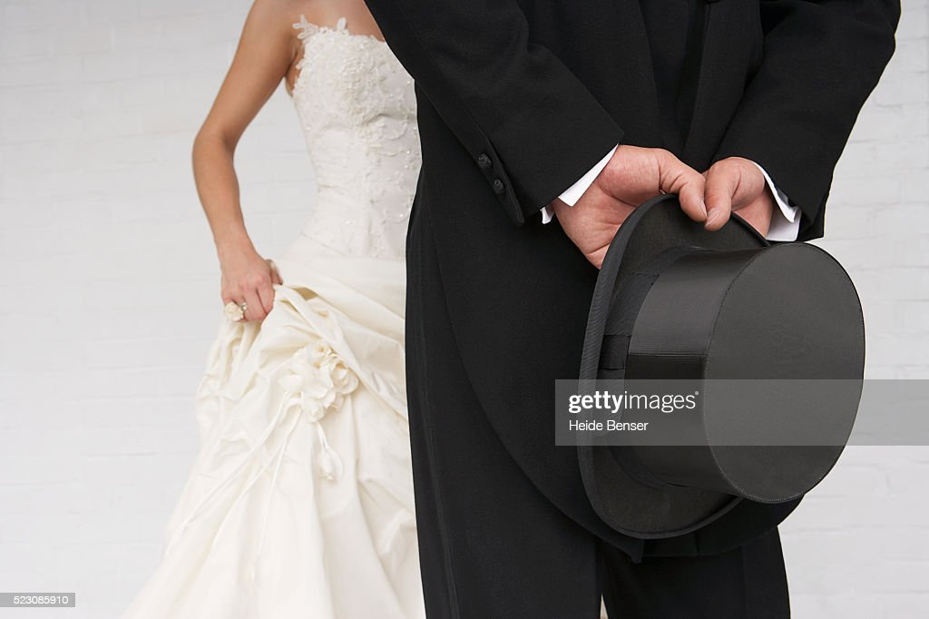 Bride and groom dressed up : Stock Photo