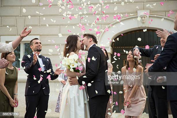 bride and groom kissing - wedding ceremony stock pictures, royalty-free photos & images