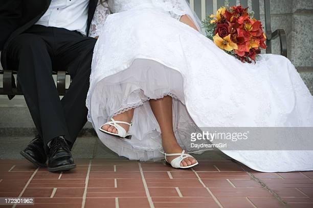 Le marié et la mariée jambes