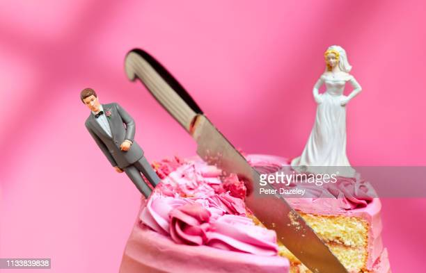 bride and groom relationship breakdown - fighting stock pictures, royalty-free photos & images