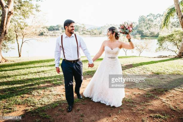 bride and groom - wedding - wedding stock pictures, royalty-free photos & images