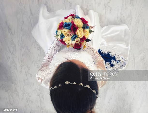 bride and her bouquet - wedding ceremony stock pictures, royalty-free photos & images