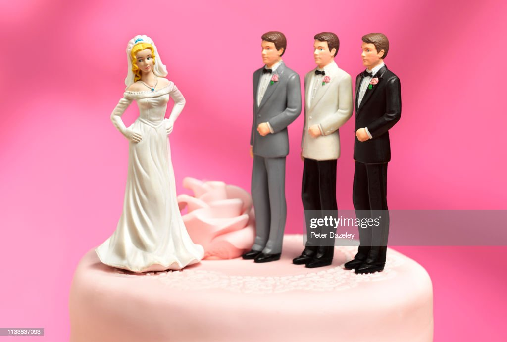 bride and three choices of ex boyfriends to be groom : ストックフォト