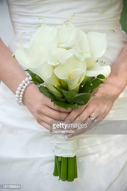 bride bouquet - calla lily stock pictures, royalty-free photos & images