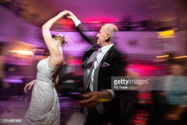 bride dancing with her father at wedding - ballroom dancing stock pictures, royalty-free photos & images