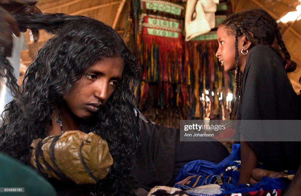 Tuareg Wedding Celebration in Niger : News Photo
