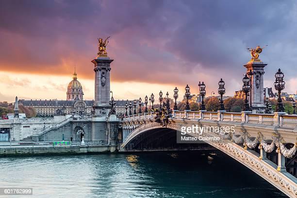 bridge alexandre iii on the river seine, paris - pont alexandre iii photos et images de collection