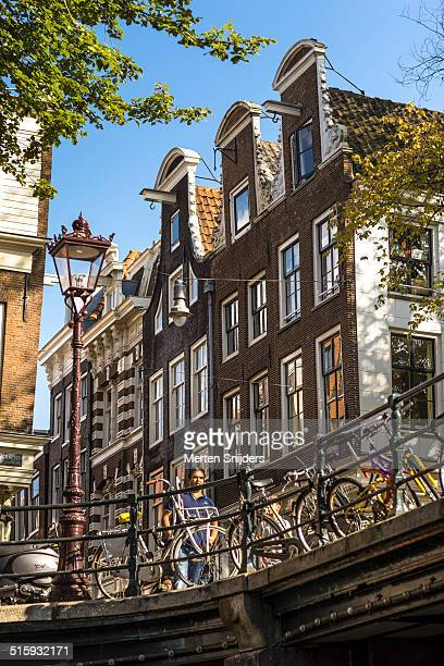 bridge and houses on oude spiegelstraat - merten snijders stock pictures, royalty-free photos & images