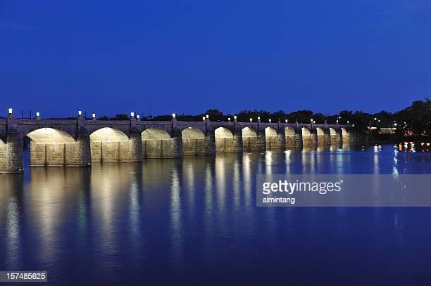 bridge at night - harrisburg pennsylvania stock pictures, royalty-free photos & images