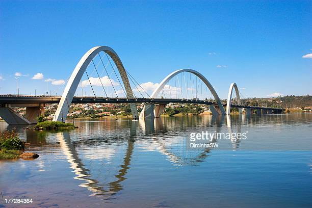 jk bridge - brasília - distrito federal brasilia stock pictures, royalty-free photos & images