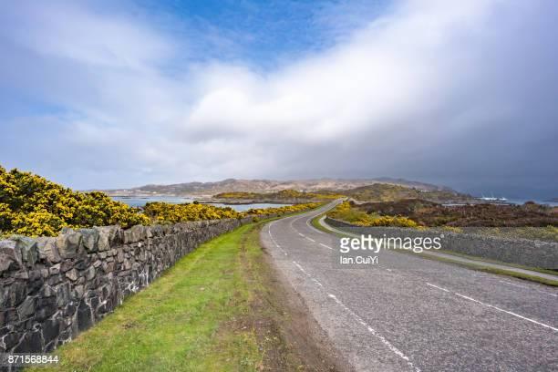 bridge crossing loch alsh on the west coast of scotland - 静かな情景 ストックフォトと画像