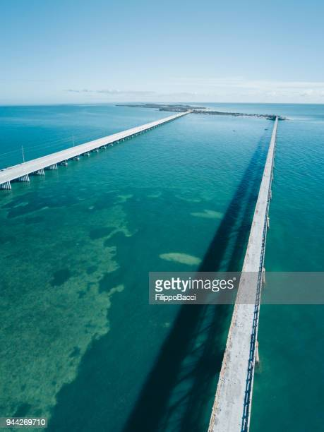Brug in de Florida Keys uit oogpunt van drone