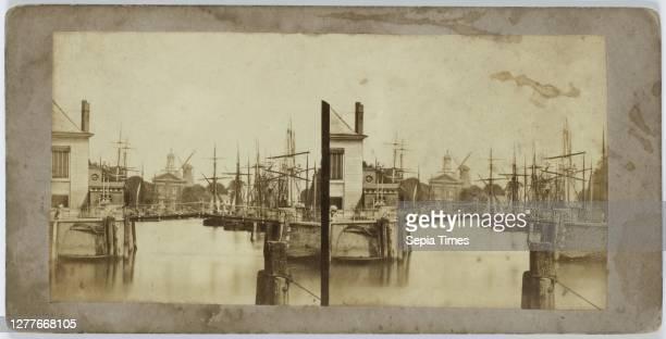 Bridge in Rotterdam, Rotterdam, Alexis Gaudin et Frère, France, 1858 - 1860, paper, photographic paper, cardboard, albumen print, h 70 mm × w 143 mm.
