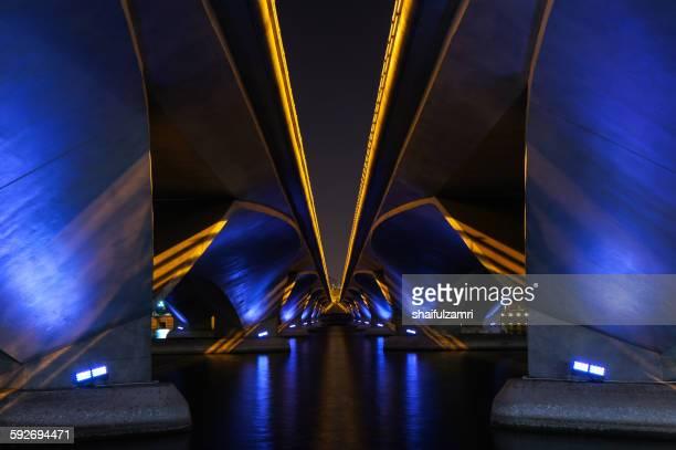 bridge in singapore - shaifulzamri fotografías e imágenes de stock