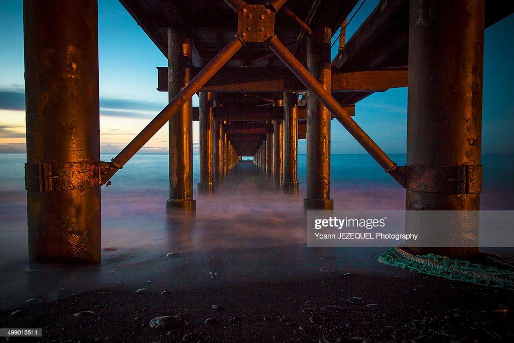 Bridge in tropical sea : Photo
