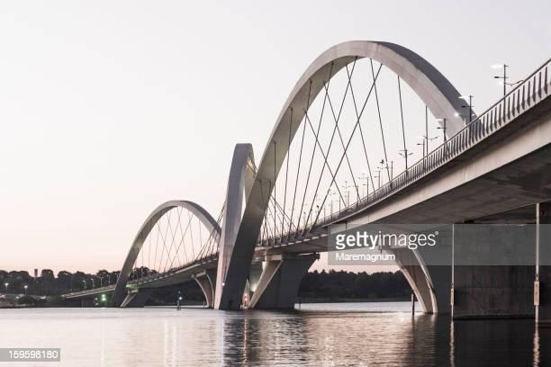 bridge juscelino kubitschek - brasilia stock pictures, royalty-free photos & images